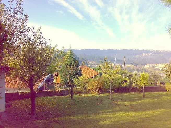 Utsikt över dalen från parkeringen