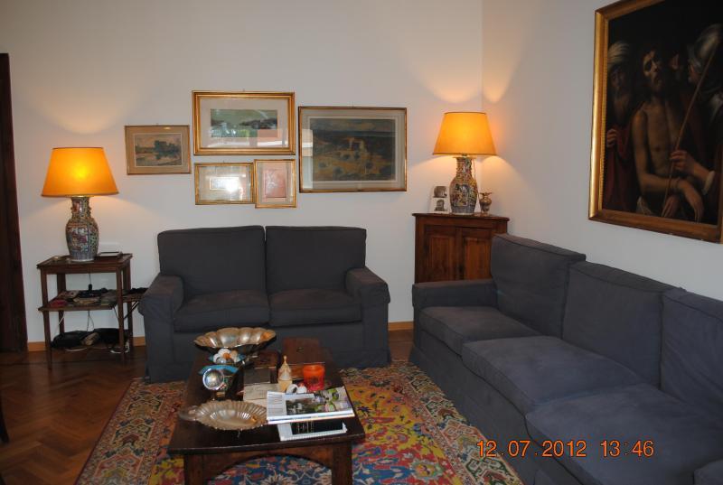 Luminous, elegant flat for rent, vacation rental in Barona