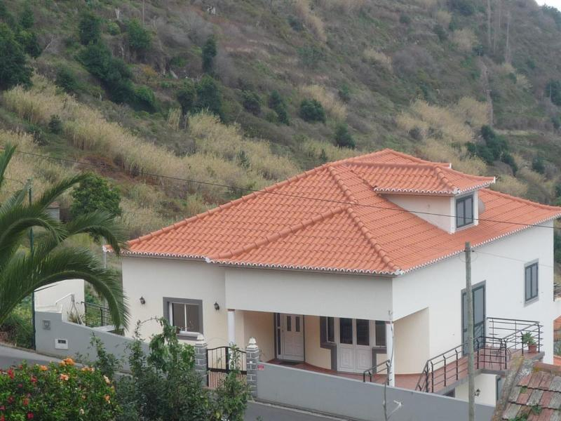 Villa Miradouro - Calheta - Alojamento Local- T2, vacation rental in Calheta
