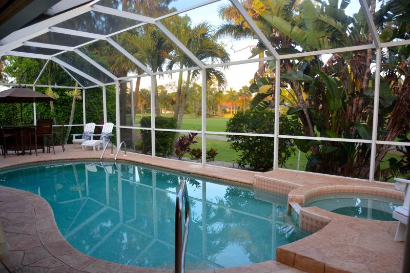 Solar Heated Pool, Jacuzzi overlooks the 6th par on Royal Palm Golf Course