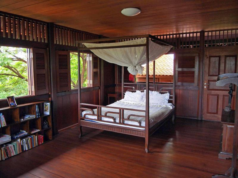 Bed in superior homestay room