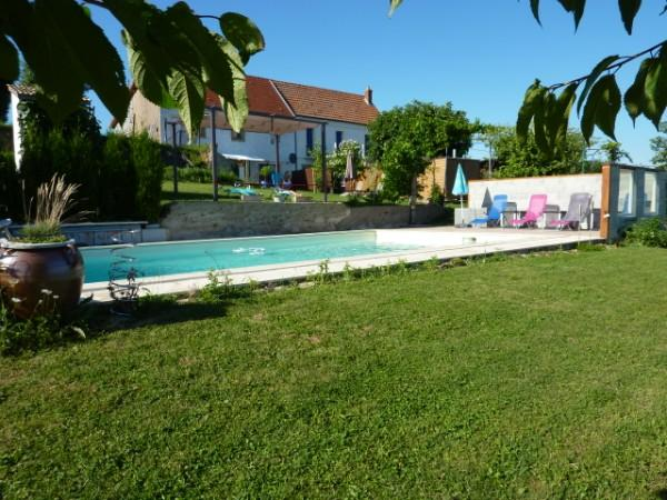 La Maison Blanche and Petit Bel-Air, holiday rental in Uxeau