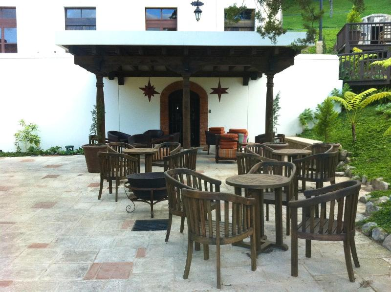 Outdoor seating areas!