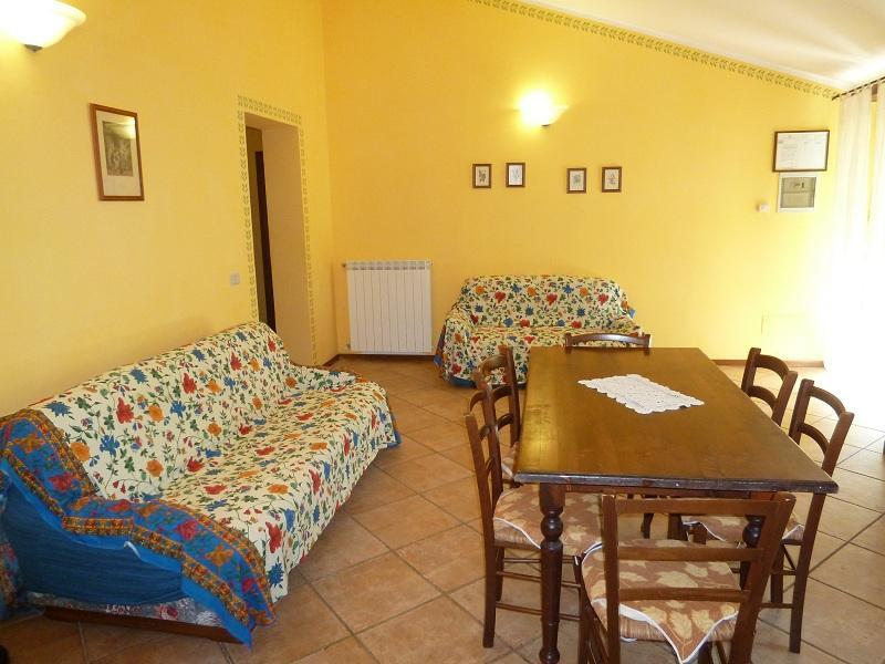 Apartment 7 beds in the  Umbrian countryside, holiday rental in Madonna della Pia