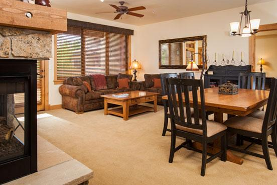 Aspen Lodge Living Room - 4207