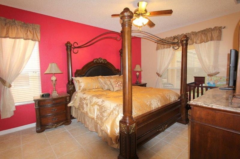 Downstair Master bedroom