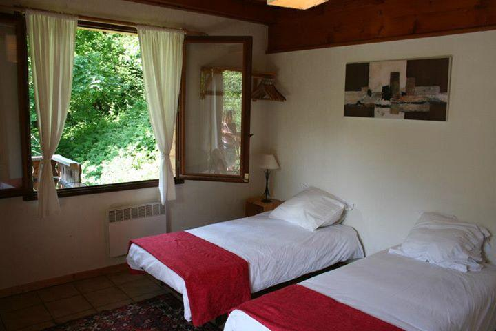 Chalet D'amo 12 bed chalet flexi dates, holiday rental in La Cote-d'Arbroz