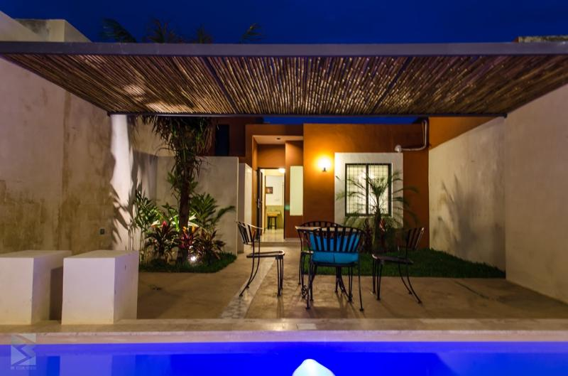 CASA FRIDA- MEXICAN BEAUTY-LOVELY PATIO & POOL!!, holiday rental in Acanceh
