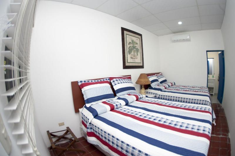 Bedroom # 5 - 2 X Queen size beds
