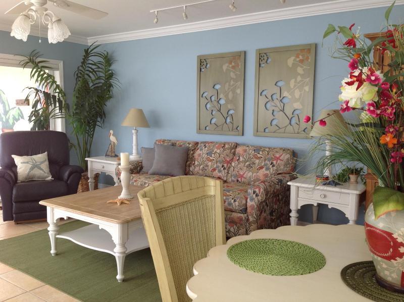 Beachfront*QuietNorthEnd*5Min.WalkToTimesSquare, vacation rental in Fort Myers Beach