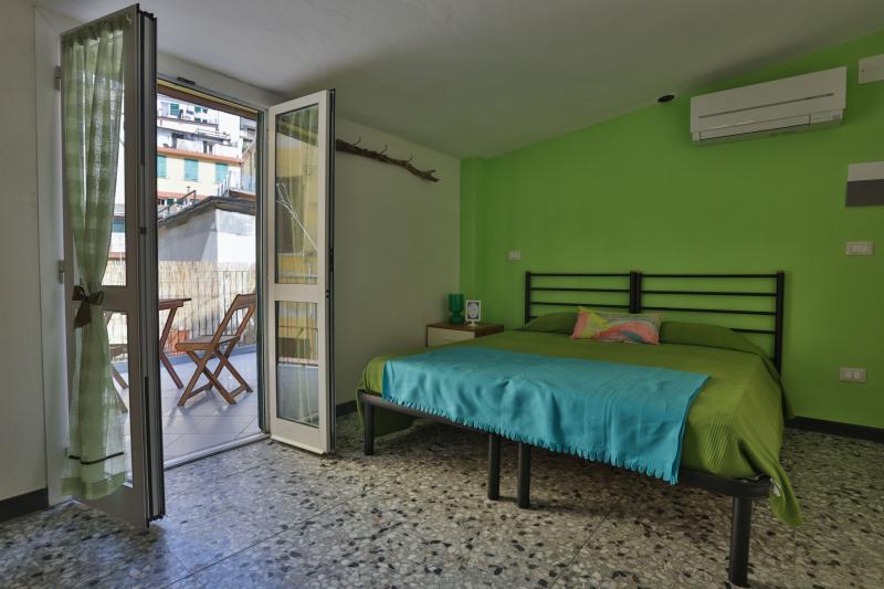 Libeccio Room - outdoor terrace with views of the castle of Riomaggiore.