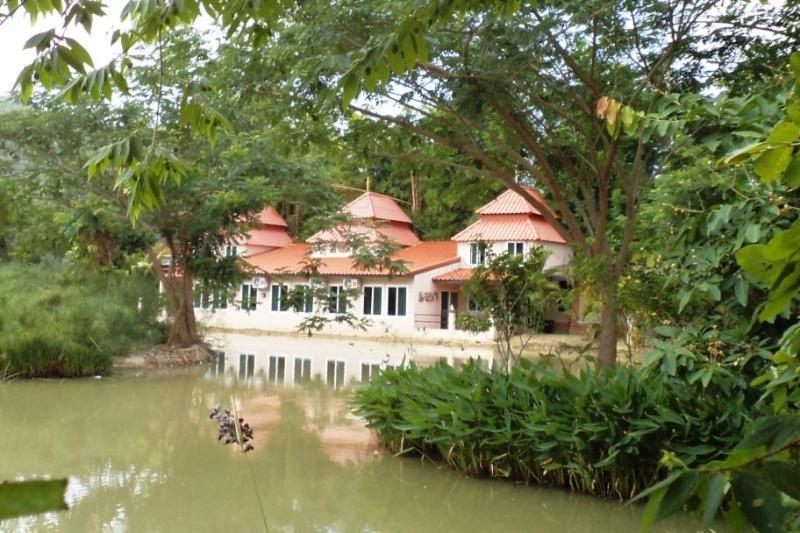 Kinkala 2-Bedroom Garden Apartment
