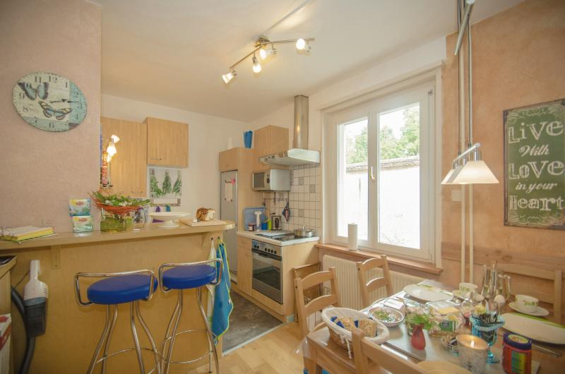 Guest Kitchen east window with breakfast area, charming dining room 1. floor