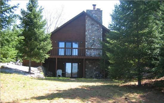 Chain Lake Log Lodge West of Eagle River-Trails, Hiking, Biking, UTV, Snowmobile, alquiler vacacional en Eagle River