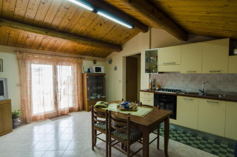 Mountain - AcquaMarina, holiday rental in Scillichenti