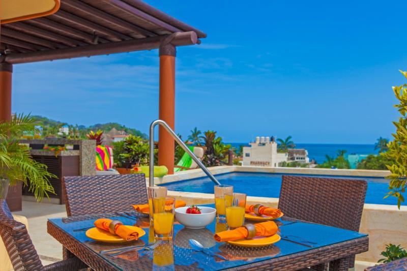 Le petit déjeuner sur le toit