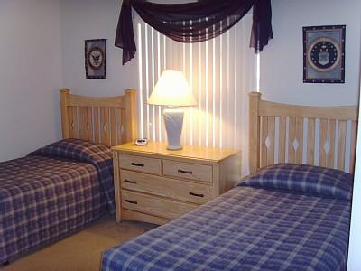 Twin Bedroom can convert to a king bed on request
