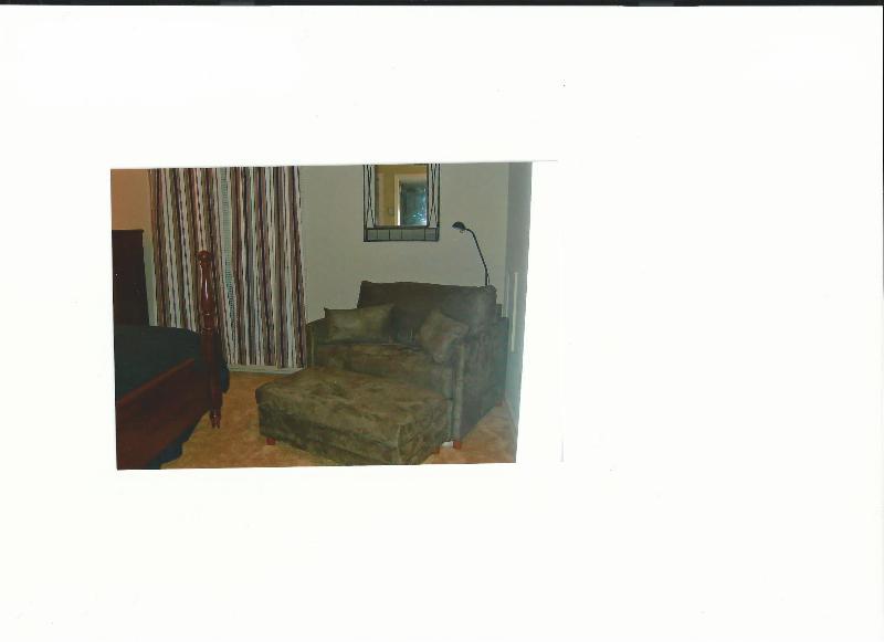 2nd bedroom - twin chair sleeper