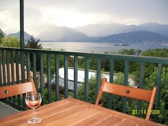 Lago Maggiore Apartment with views, vacation rental in Vedasco