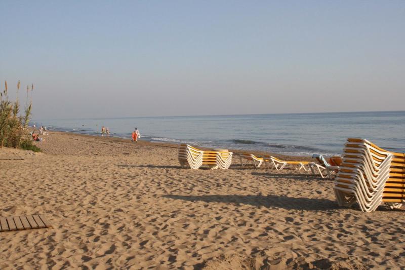 Alicate Playa beach