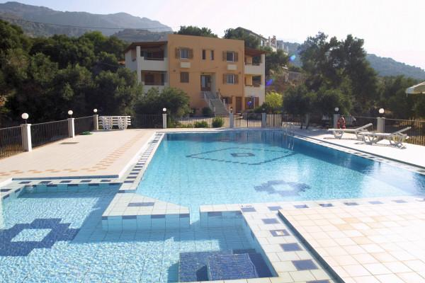 Phoenix Apartment,peaceful seashore holidays!!!!!, aluguéis de temporada em Plakias