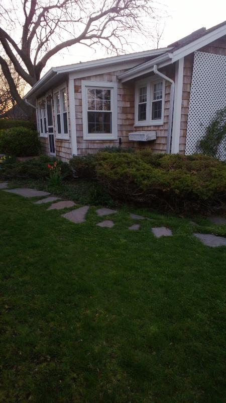north fork beach cottage in new suffolk has cable satellite tv and rh tripadvisor com