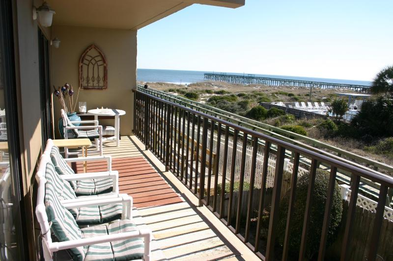 Great View of the Beach from the Balcony !, holiday rental in Fernandina Beach