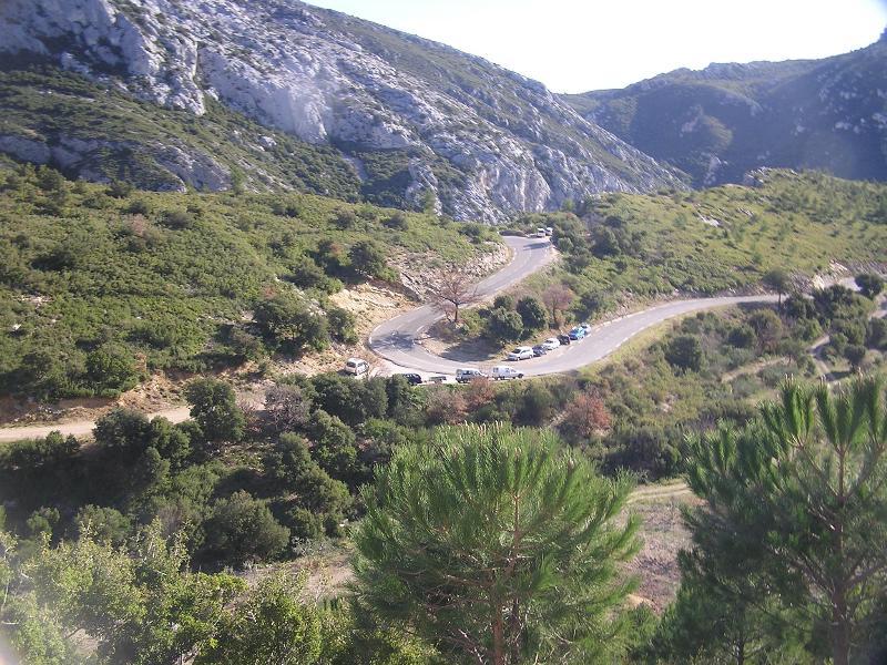 Route vers le haut la Sainte-Baume