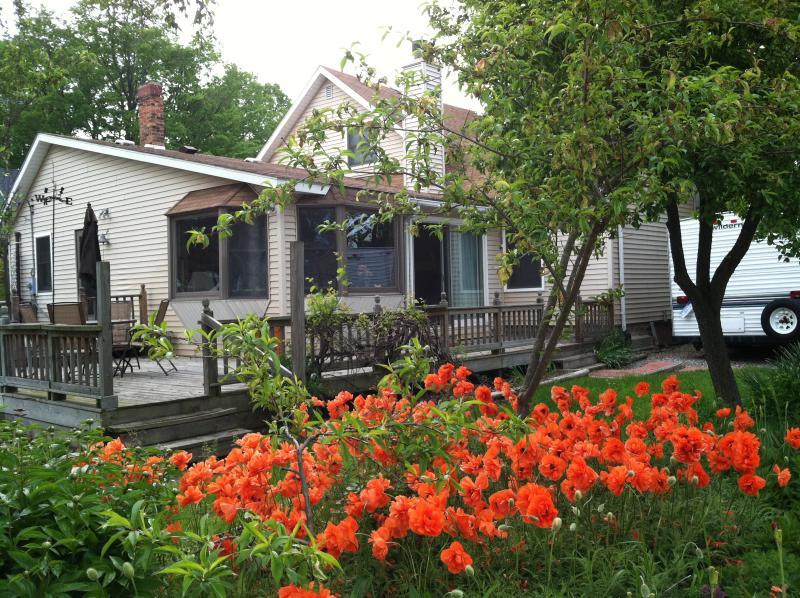 FISHER HOUSE LEXINGTON. SALT AND SHARK FREE WATERS. SUMMERTIME FESTIVALS., casa vacanza a Carsonville