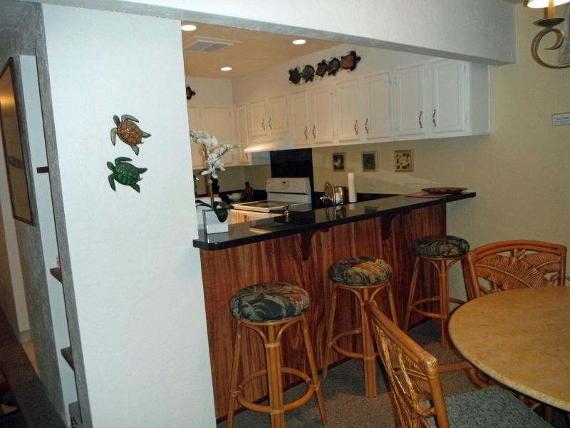 Kitchen Bar with Seating