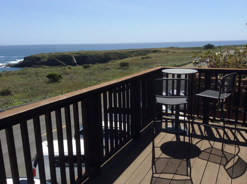 Epic balcony has sweeping, unobstructed ocean view. Enjoy a stunning vista over Mendocino Bay.