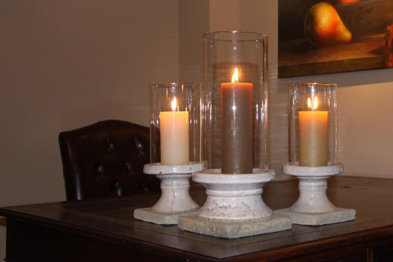 Mas du Temple - 30190 Garrigues Sainte Eulalie - livingroom (desk)