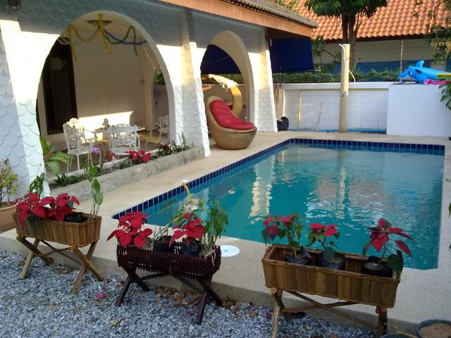 GRAND CONDOTEL VILLA ROSE WITH PRIVATE POOL, holiday rental in Pattaya