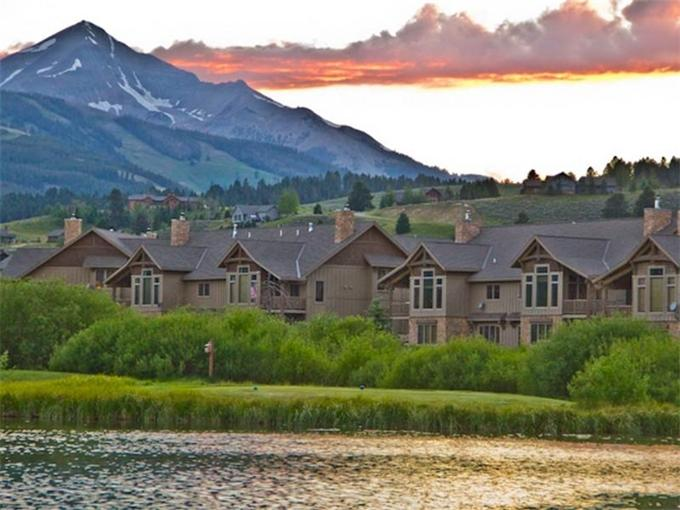 View of Crail Ranch homes, lake, and Lone Peak Mountain