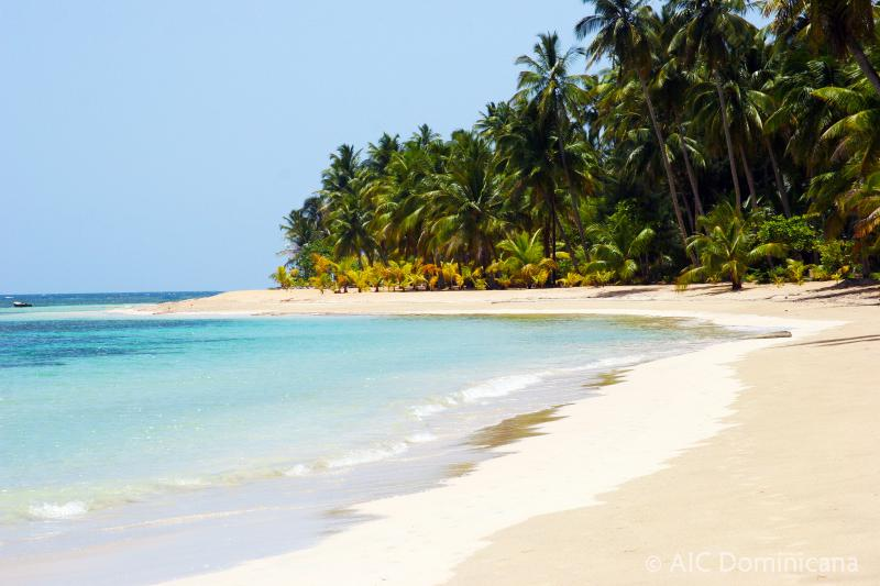 Playa Las Ballenas, known as one of the country's finest beaches