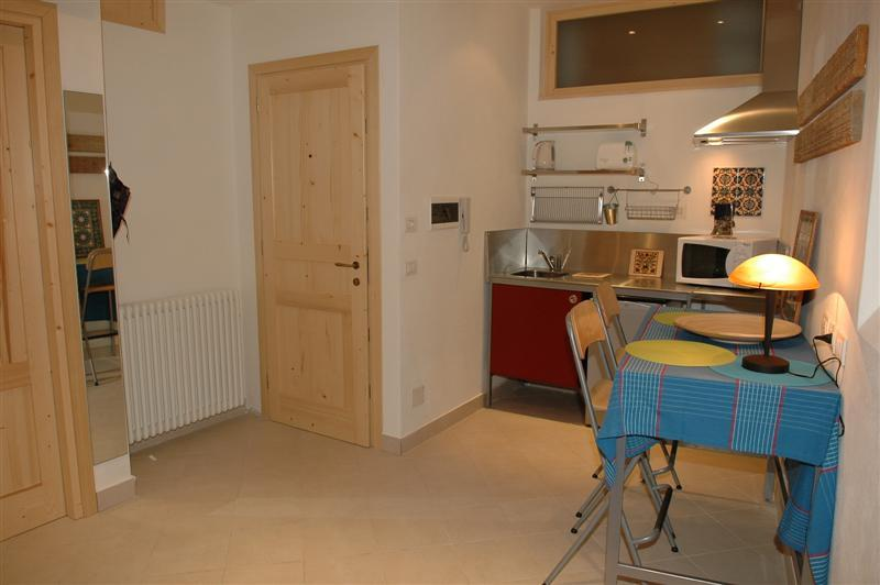 Entrance, kitchenette & dining area