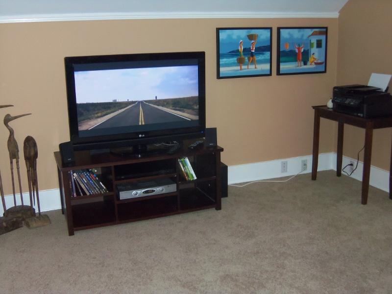 42' Smart Flatscreen HDTV and DVD surround sytem