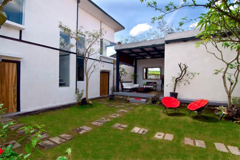 SAKAWESI, Stunning Duplex Pavilions, holiday rental in Sukawati