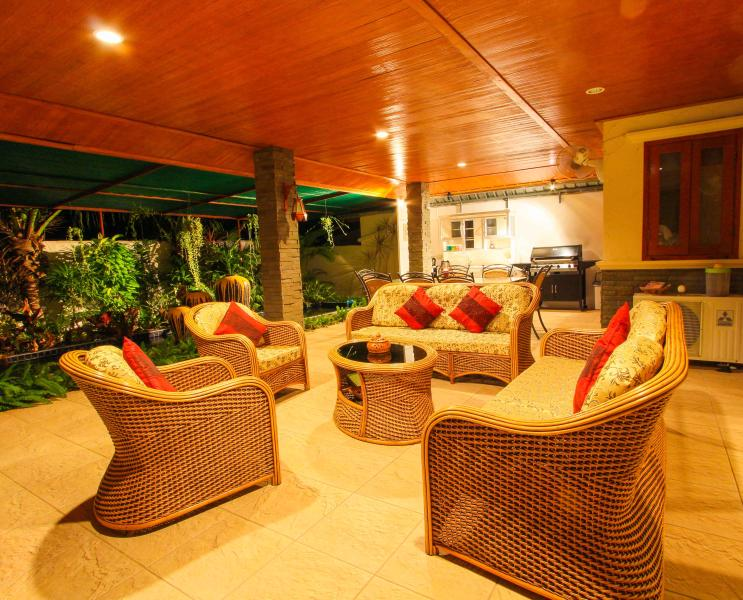 Outside lounge and Dining at Night