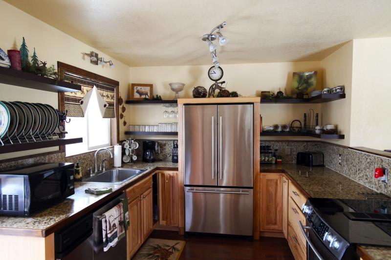 Bright och väl utrustade kök