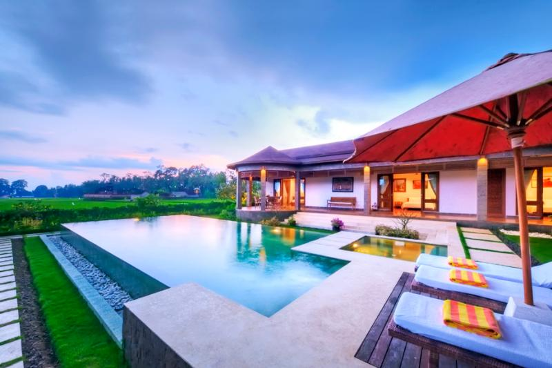 Villa, pool and ricefields