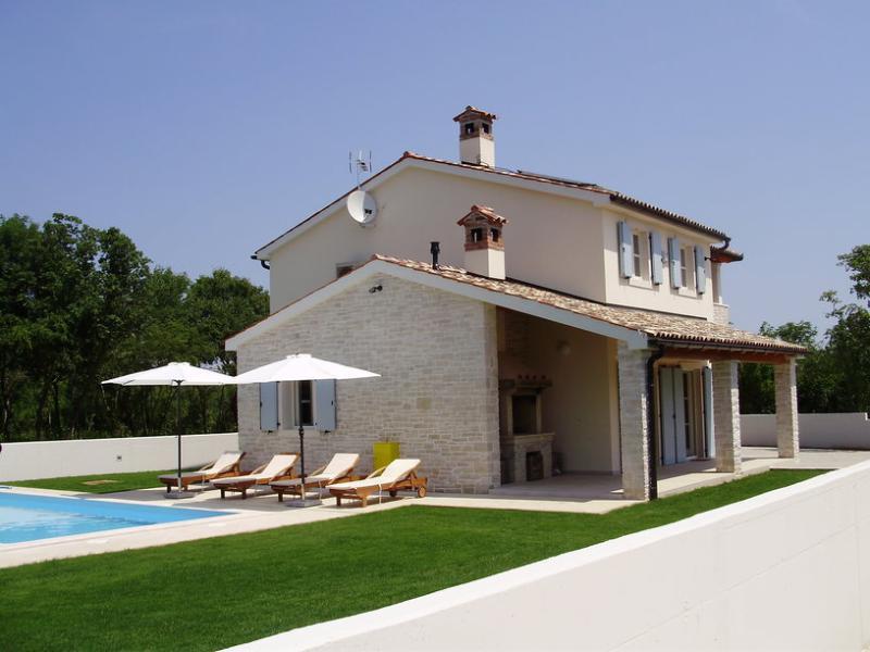 Luxury Villa Jula Istria - (Croatia), holiday rental in Vinkuran