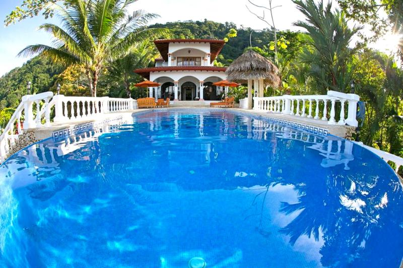 40ft Pool with Villa and surrounding Forest