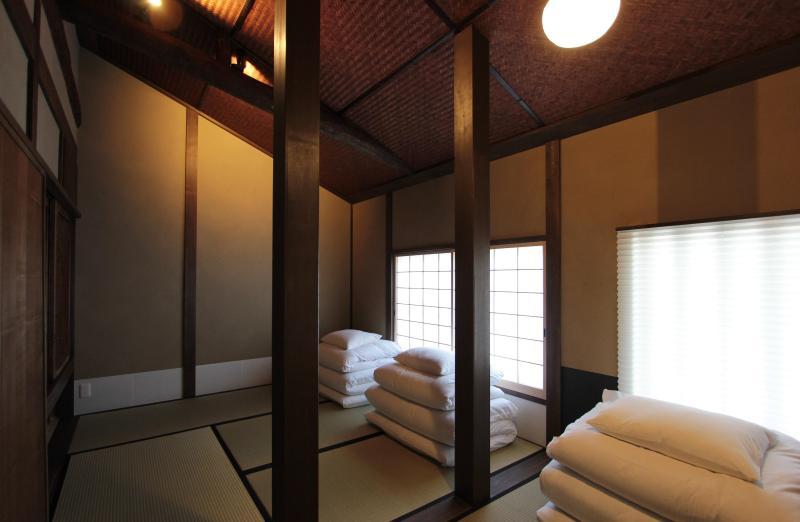 JAPANESE-Style Room (2F)