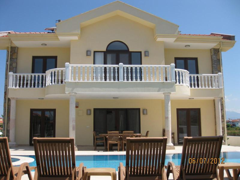Villa Yaz. Private villa sleeping 8