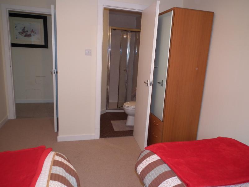 Twin en suite bedroom