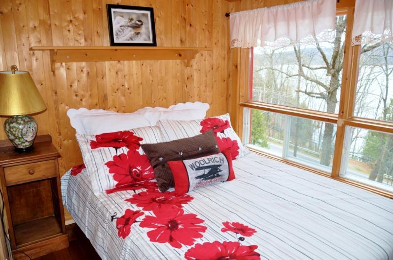 El segundo dormitorio cama matrimonial.