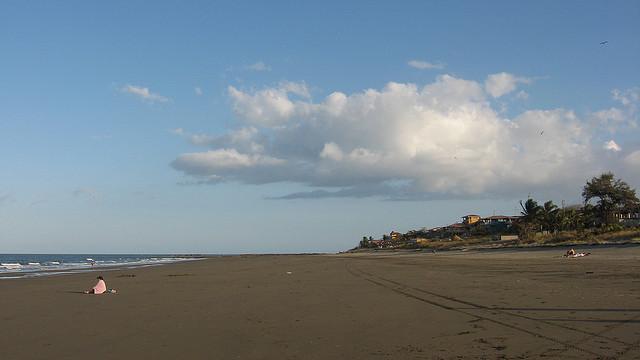 La playa lista para tus pasos