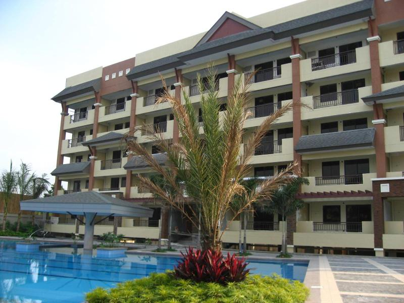 Magnolia Place Resort Inspired Condo at QC, vacation rental in Marilao