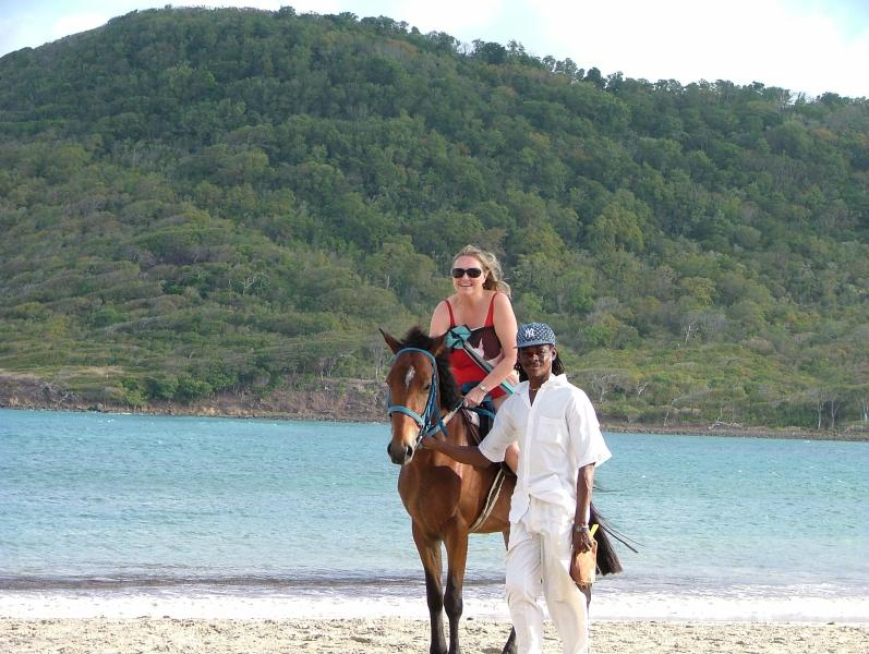 Horse riding. 10 minutes walk from the villa
